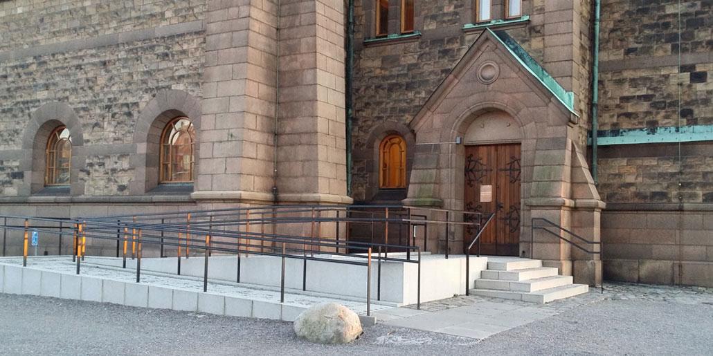 Entré Sofia kyrka, tillgänglighetsinventerad och anpassad av BBH Arkitektur & Teknik